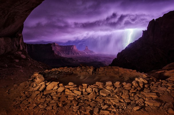 01 - National Geographic Photo Contest 2013 - Thunderstorm at False Kiva