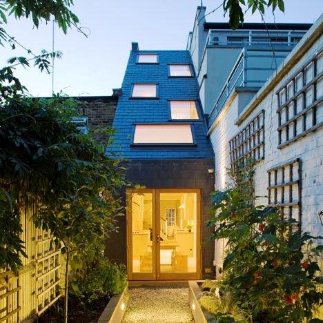 Desain Interior Terbaik Untuk Rumah Sempit - Slim House extension by Alma-nac 1